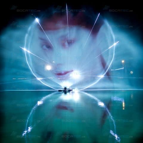 Laserstrahlen auf Wasser