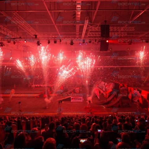 Rotes Feuerwerk mieten