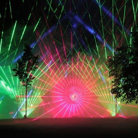 Hochzeits Pyroshows mit Lasern