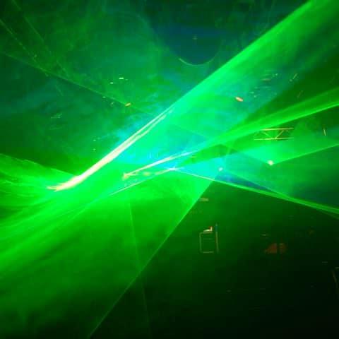 Grüner Laser mit Nebel