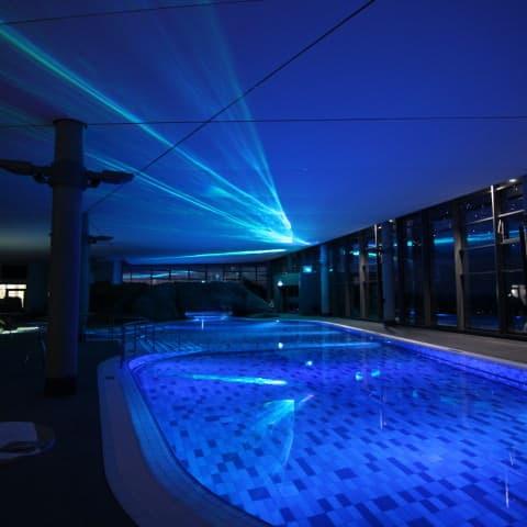 Polarhimmel Projektion im Damper Schwimmbad