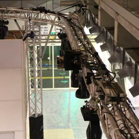 Laserequipment an der Traverse Snowbeat