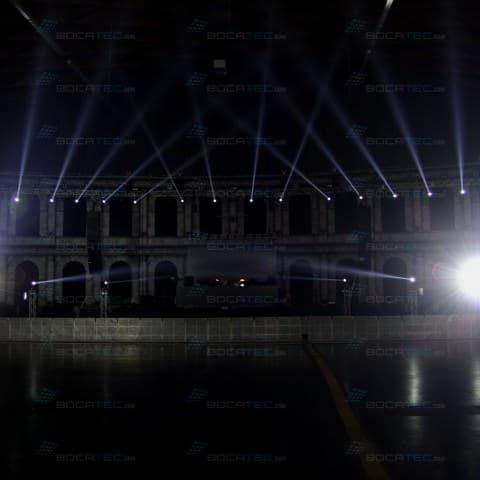Lichtstrahlen vor der Show.