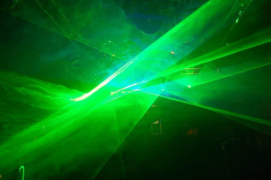 Lasershow und Nebelwand