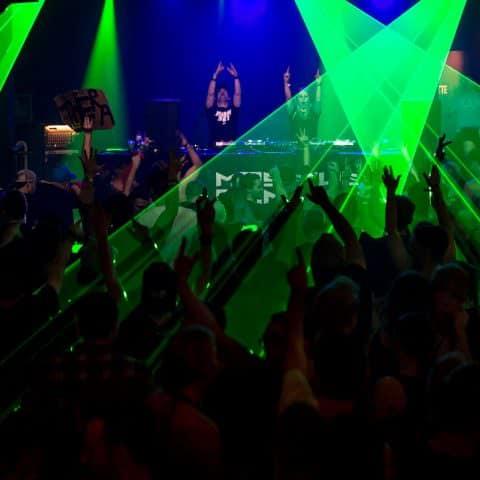 Lasershow auf Hardstylefloor