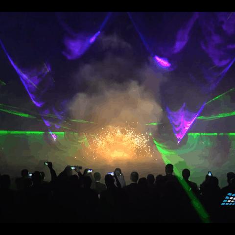 Feuershow mit Lasershow