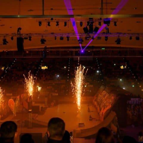 Indoor Pyrotechnik und Lasershow mieten