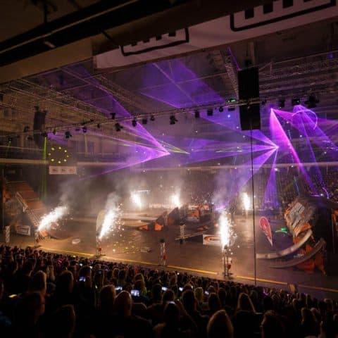 052_3203_lasershow für events mit pyrotechnik