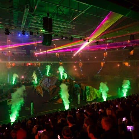 062_3254_lasershow für events mit pyrotechnik