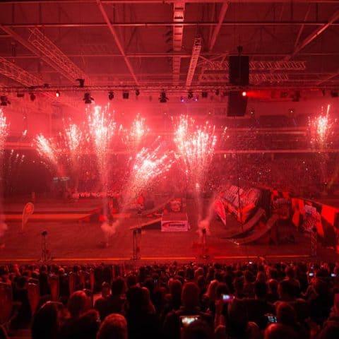 064_3276_lasershow für events mit pyrotechnik