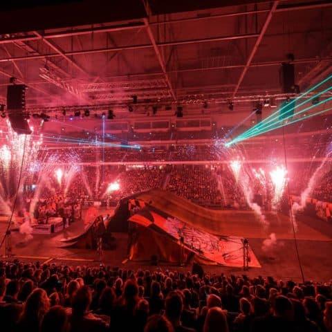 077_4096_lasershow für events mit pyrotechnik