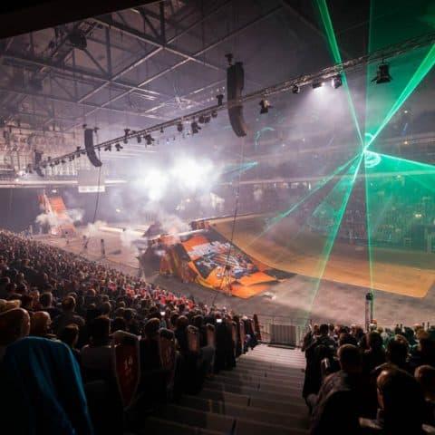087_4175_lasershow für events mit pyrotechnik
