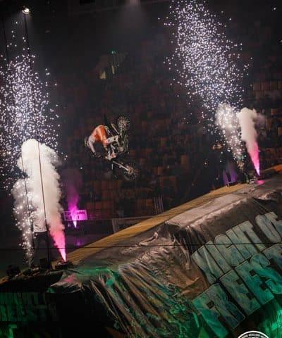 Indoor Pyroshow mieten für Ihr Event