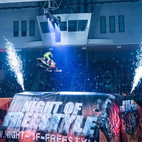 Indoor Pyrotechnik auf der Night of Freestyle