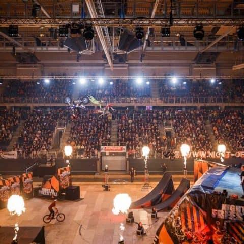 Indoor Events Flammenprojektoren GX2