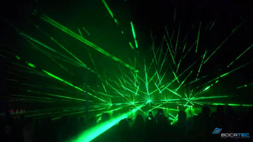 Laserstrahlen einer Lasershow