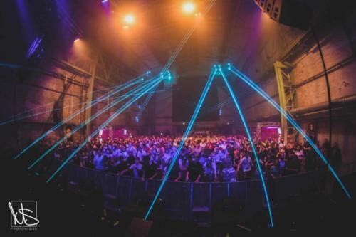 Pioneer_DJ_Alpha_Laserbeams_Crowd