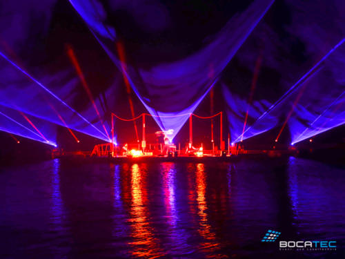 live-act-_0023_Lichtshow mit Feuerkünstlern